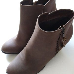 🌸2/$15!Charlotte Russe Keira Ankle Booties Size 9